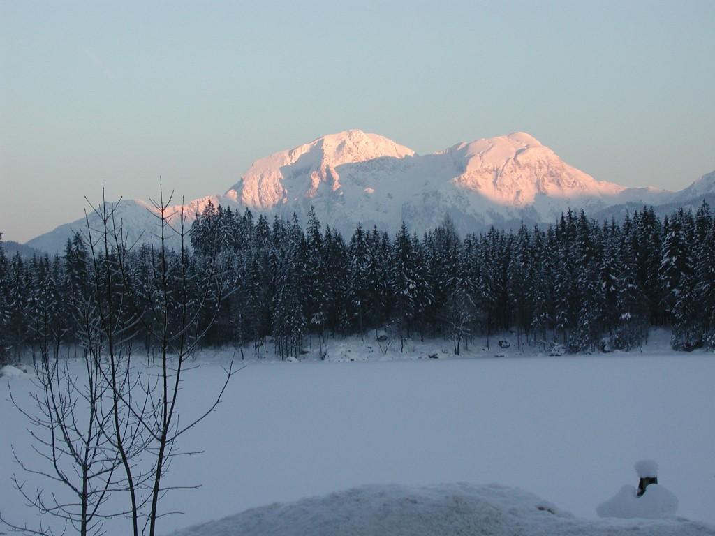 Berggipfel bei Sonnenuntergang (c Parallel Skiing e.V)