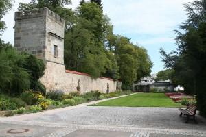 1024px-Coburg-kleiner-Rosengarten